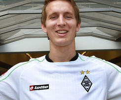 Borussia Monchengladbach have completed the signing of Luuk de Jong from FC Twente on a five-year contract.