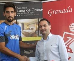 Granada have snapped up Barcelona goalkeeper Oier Olazábal.