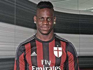 Liverpool striker Mario Balotelli returns to AC Milan after completing a season-long loan move back to Italy.
