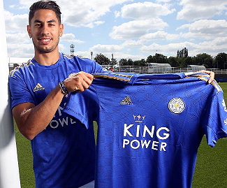 Leicester City have signed striker Ayoze Perez from Newcastle United for £30m on a four-year deal.