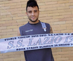 Lazio have confirmed the signing of Santos midfielder Felipe Anderson