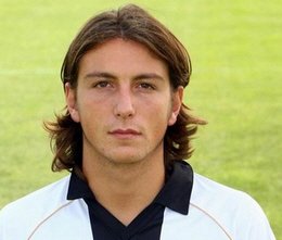 On 10 June 2010 Parma exchanged the 22-year old striker Paponi with Gabriele Paonessa of Bologna.