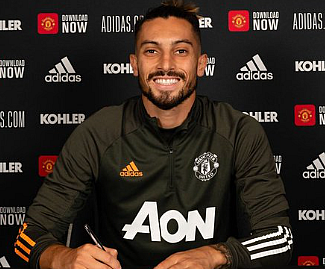 Manchester United have signed Brazil left-back Alex Telles on a four-year deal from Porto, with the option of a further year.