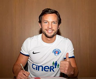 Turkish side Kasimpasa have signed Danny Drinkwater on loan from Chelsea for the rest of the season.