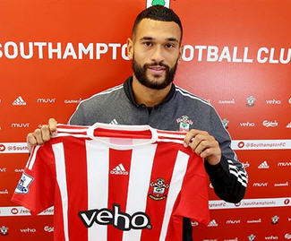 Southampton have signed QPR defender Steven Caulker on a season-long loan.