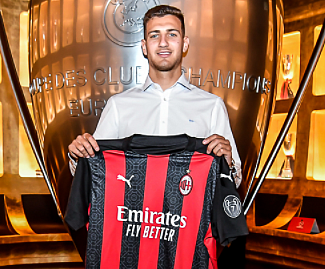 AC Milan sign Dalot from Manchester United as full-back moves on season-long loan.