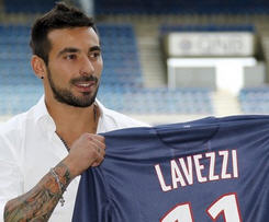 Paris-Saint Germain have confirmed they have signed Ezequiel Lavezzi from Napoli.