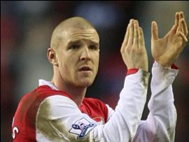 Everton have confirmed that defender Philippe Senderos has completed his loan move from Arsenal