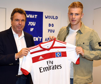 Hamburg have signed defender Rick van Drongelen from Sparta Rotterdam, both clubs confirmed in an official statement.