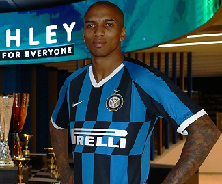 Ashley Young has completed his move from Manchester United to Inter Milan on a six-month deal, with an option to extend for a further year.