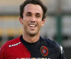 Cagliari have announced that they have taken up the option to sign Thiago Ribeiro from Rentistas on a permanent basis.