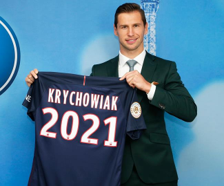 PSG have completed the singing of Poland international Grzegorz Krychowiak from Sevilla on a five-year deal.