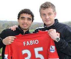 Cardiff City Football Club complete the signing of full-back Fábio da Silva from Manchester United.