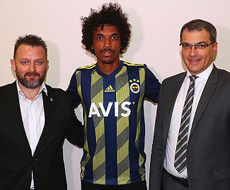 Turkish side Fenerbahce have announced the arrival of 32-year-old former Brazilian international midfielder Luiz Gustavo from Ligue 1 side Marseille.
