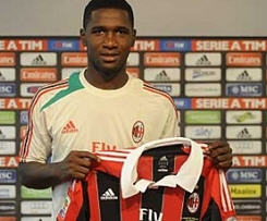 Defender Cristian Zapata has signed with AC Milan on a loan from Spain's Villarreal.