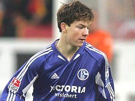 Alexander Baumjohann back at Schalke