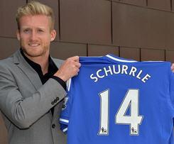 Chelsea have signed Germany international forward Andre Schurrle from Bundesliga side Bayer Leverkusen for a fee of £18m.