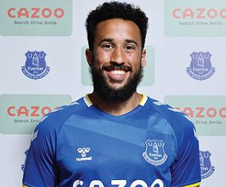 Everton have confirmed the signing of Andros Townsend on a free transfer after his contract expired at Crystal Palace.