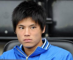 Ryo Miyaichi joins Wigan on season-long loan from Arsenal.