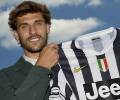 Llorente arrived on a free transfer after his contract with Los Leones expired on Sunday and was presented to the media in Turin.