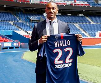Paris-Saint Germain have confirmed the signing of Abdou Diallo from Borussia Dortmund on a contract that will keep him at the club until June 2024.