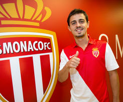 AS Monaco FC have signed midfielder Bernardo Silva on permanent terms after a successful loan spell from SL Benfica.