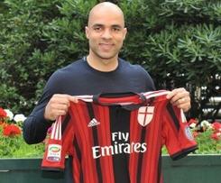 Alex joins AC Milan from Paris Saint-Germain.