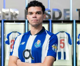 Pepe returns to Porto as free agent on two-and-a-half-year deal.