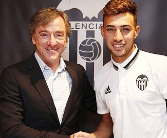 Valencia have signed Barcelona's Munir El Haddadi on a season-long loan with an option to make the deal permanent at the end of the campaign for €12 million.
