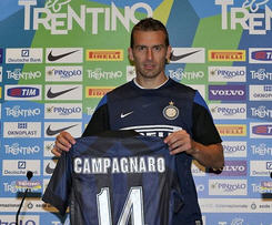 Inter Milan have signed defender Hugo Campagnaro.