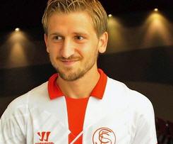 Marko Marin seals loan switch from Chelsea to Sevilla.
