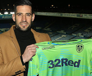 Leeds United have completed the signing of Kiko Casilla from Real Madrid, with the goalkeeper penning a four-and-a-half-year deal with the Whites.