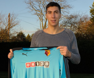 Watford have signed Sunderland goalkeeper Costel Pantilimon on a free transfer.