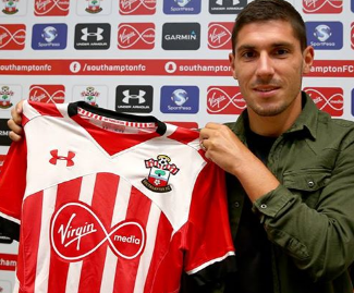 Southampton have completed the signing of French full-back Jeremy Pied on a free transfer from Nice.