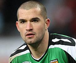 West Bromwich Albion have signed Wales international goalkeeper Boaz Myhill from Hull City