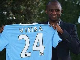 Patrick Vieira completes his move to Manchester City