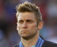 Queens Park Rangers have signed England goalkeeper Rob Green on a two-year deal after he left West Ham at the end of last season.