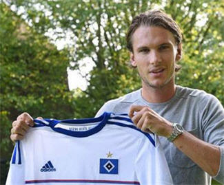 Bundesliga outfit Hamburger SV have moved to confirm the signing of Swedish midfielder Albin Ekdal from Cagliari.