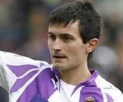 Real Sociedad signs Villarreal striker Llorente