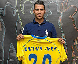 Las Palmas have completed the permanent transfer of Jonathan Viera from Standard Liege for a reported €900,000.