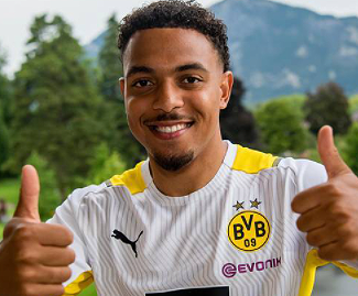 Dortmund have completed the signing of Netherlands forward Donyell Malen from PSV Eindhoven on a five-year contract.