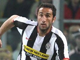 Stuttgart Loan Juventus Defender Cristian Molinaro