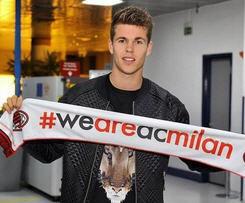 Milan complete loan signing of Marco van Ginkel from Chelsea.