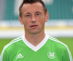Wolfsburg have signed Ivica Olic to a two year contract.