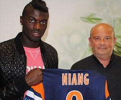 AC Milan striker M'Baye Niang is returning to France with a loan move to Ligue 1 side Montpellier.