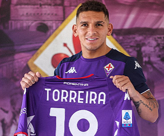 Lucas Torreira has joined Fiorentina from Arsenal on a season-long loan.