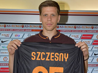 Arsenal goalkeeper Wojciech Szczesny has joined Roma on a season-long loan deal.