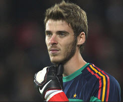Manchester United have finalised the signing of goalkeeper David de Gea on a five-year contract from Atletico Madrid