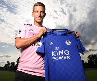 Leicester City have signed Belgium attacking midfielder Dennis Praet from Sampdoria for a reported £18m.