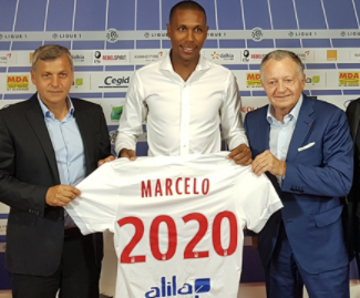 Olympique Lyonnais have announced the signing of Brazilian defender Marcelo from Beşiktaş for a fee of €8m rising to €8.5m subject to conditions.